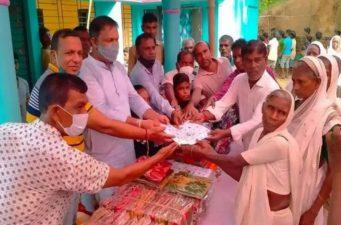 কমলগঞ্জে বস্ত্র পেল দেড় সহস্রাধিক চা শ্রমিক